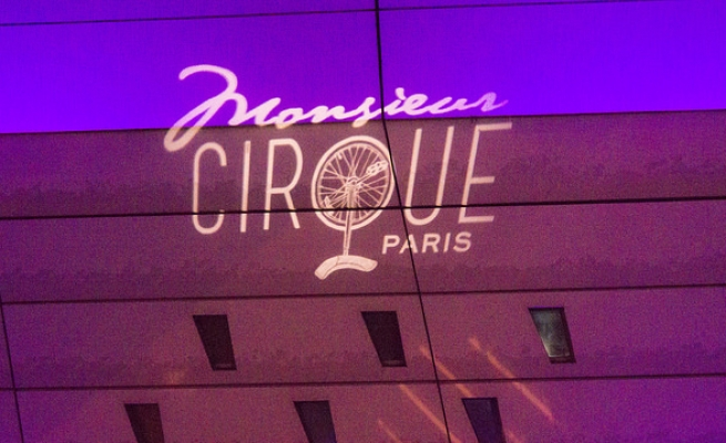 Outside Palias Malliot-Monsieur Cirque