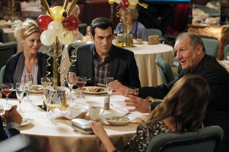 "Modern Family ""New Year's Eve."" Image Credit: ABC"